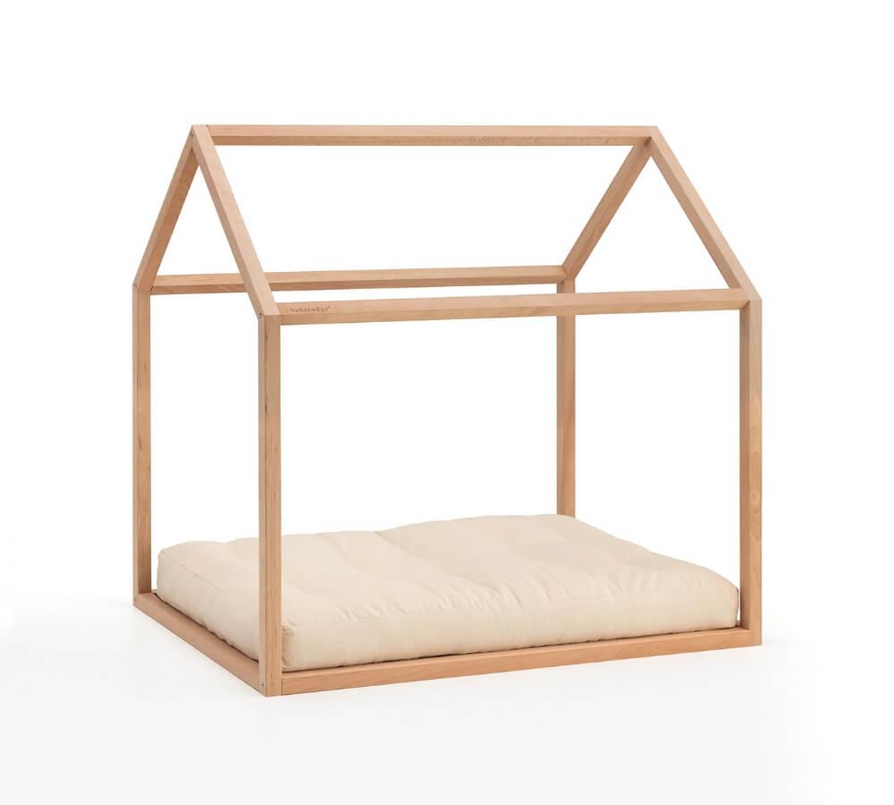 Lettino basso montessoriano a forma di casetta