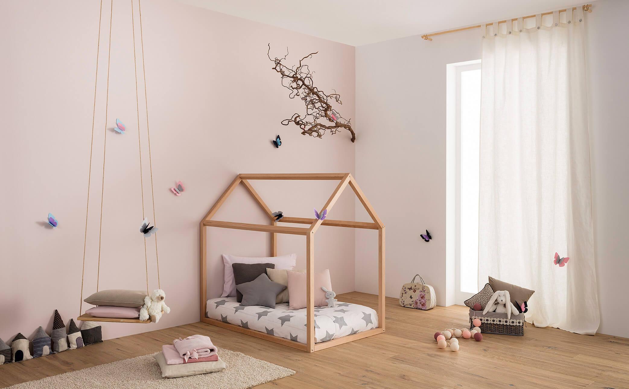 Progettare la cameretta montessori con lettino a forma di casetta