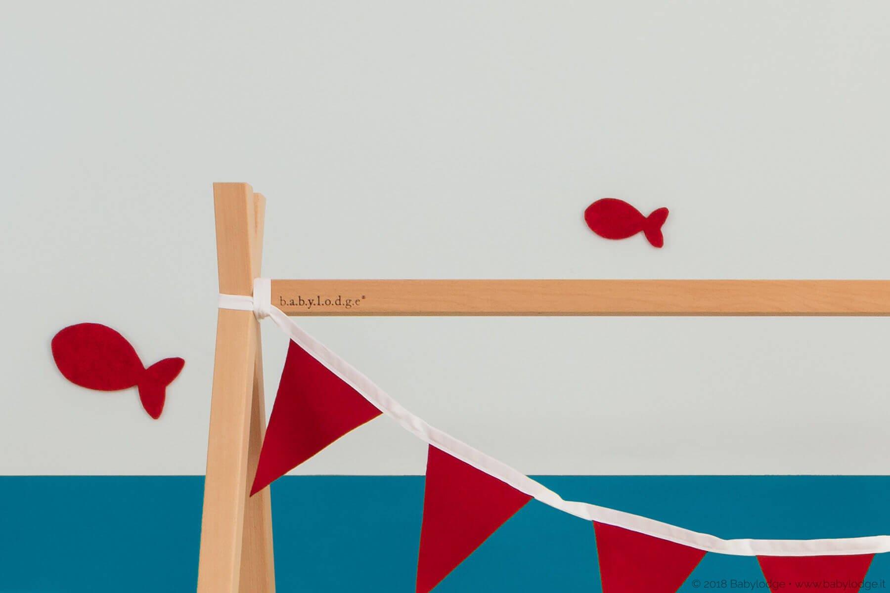 Lettino Montessori a tipi in legno di faggio massello