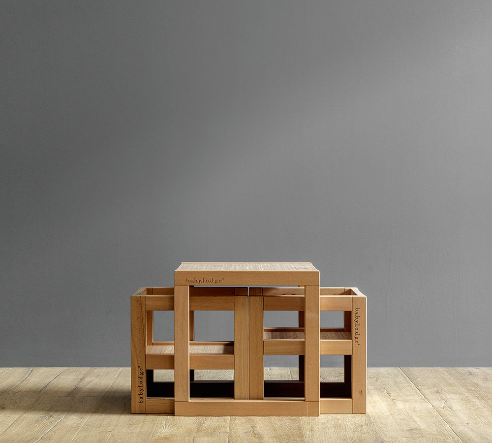 set tavolo e sedie per bambini di design