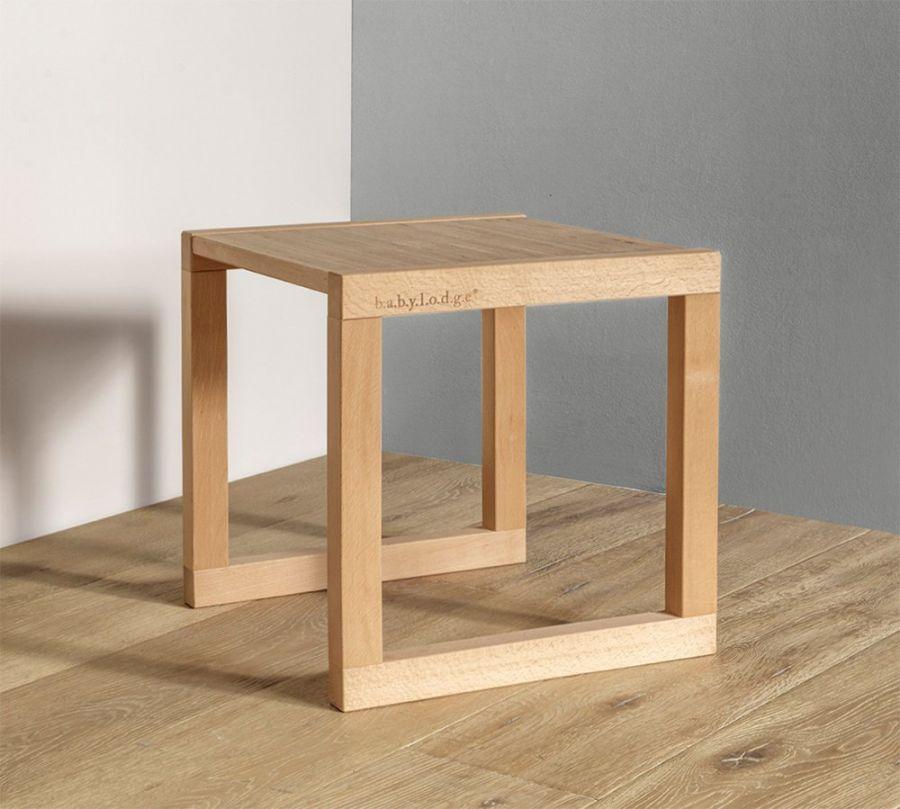 tavolo Montessori per bambini in legno